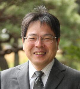 Nakao, Professor